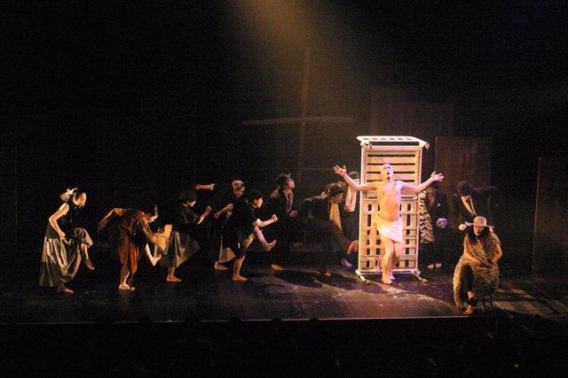 Una compañía japonesa muestra su visión de García Lorca en el Teatro Circo