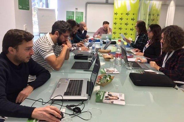 Jóvenes emprendedores taller acción contra el hambre emprendimiento