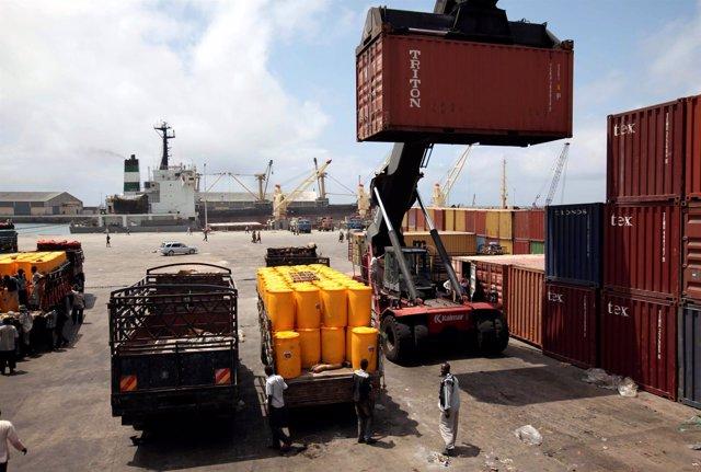 Foto de archivo del puerto de Mogadiscio