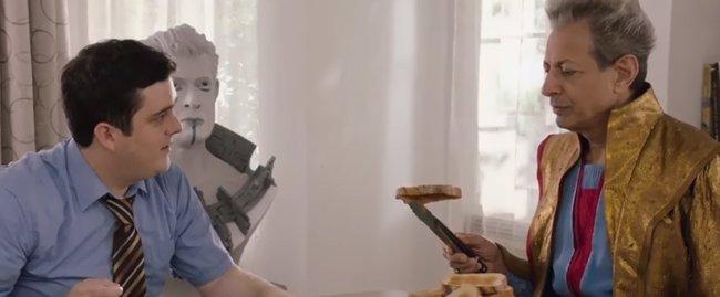 Así es la vida del Grandmaster junto Darryl tras Thor: Ragnarok (VÍDEO) (MARVEL)