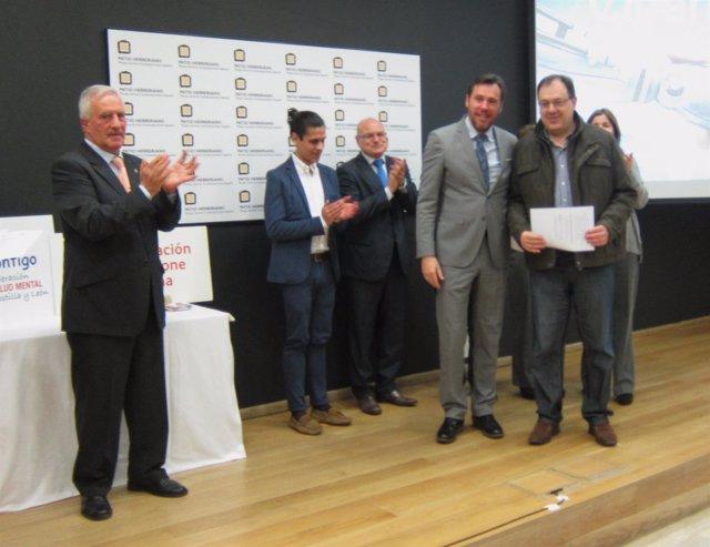 El alcalde de Valladolid, Óscar Puente, en el acto de entrega de diplomas