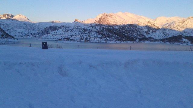 Nieve, embalses, pantano, barrios de luna