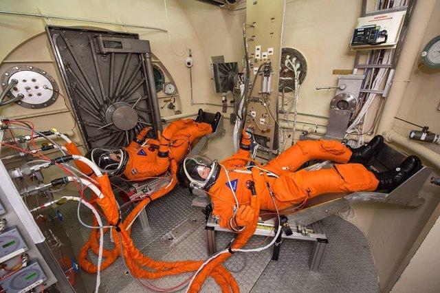 La NASA tropieza con la fisiología femenina en su nuevo traje espacial