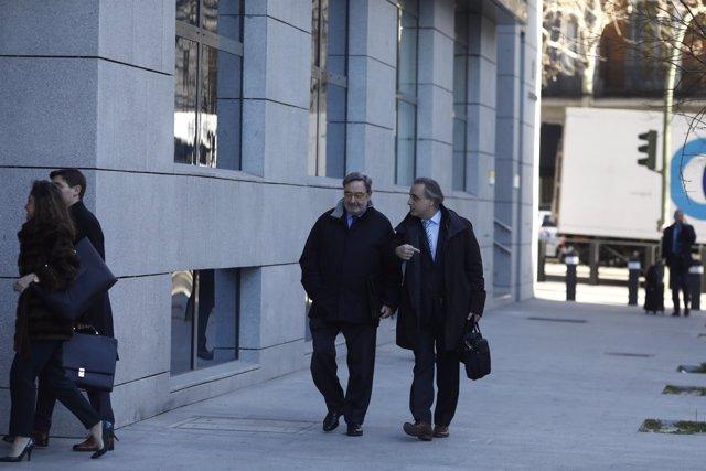 El expresidente de CatalunyaCaixa Narcís Serra llega a la Audiencia Nacional