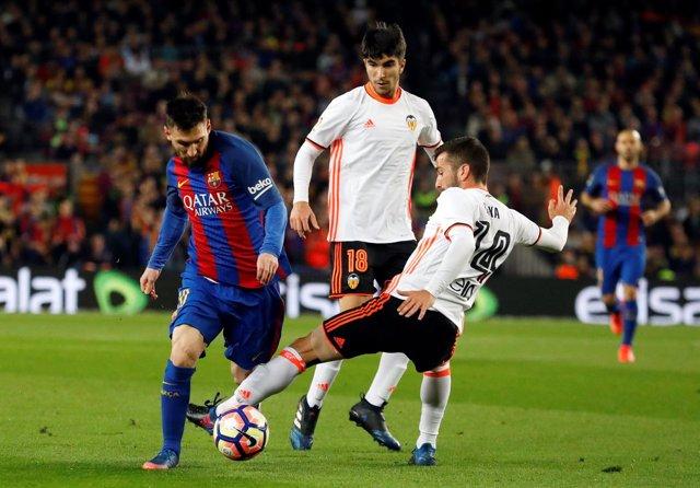 Leo Messi José Luis Gayà Carlos Soler Barcelona Valencia