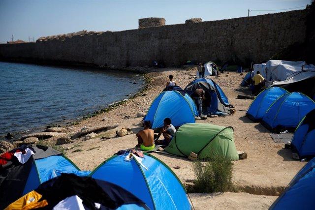 Foto de archivo de un campo de refugiados en la isla de Quíos