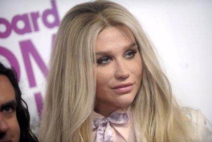 Kesha pospone todos sus próximos conciertos por culpa de una severa lesión (KESHA/GETTY)