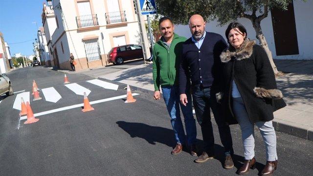Asunción Llamas y Francisco Gil visitan las obras del Plan Supera