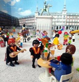 Uno de los dioramas con figuras de Playmobil
