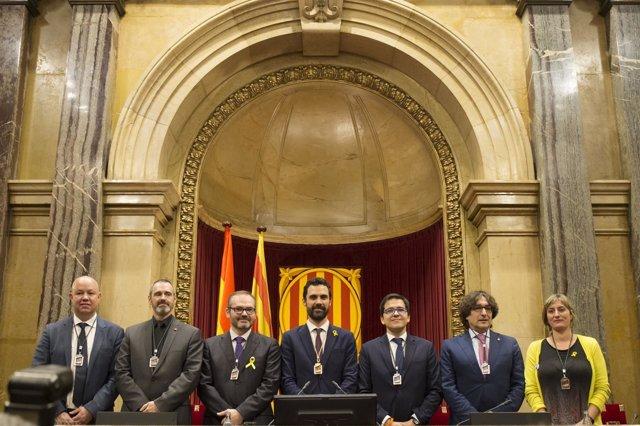 Mesa del Parlament de la XII legislatura, presidida por Roger Torrent