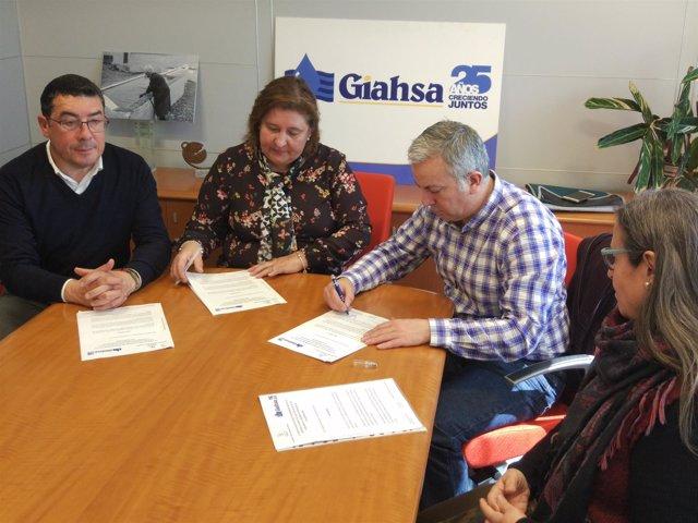 Acuerdo entre Giahsa y la Asociación Cultural de Sordos de Huelva.