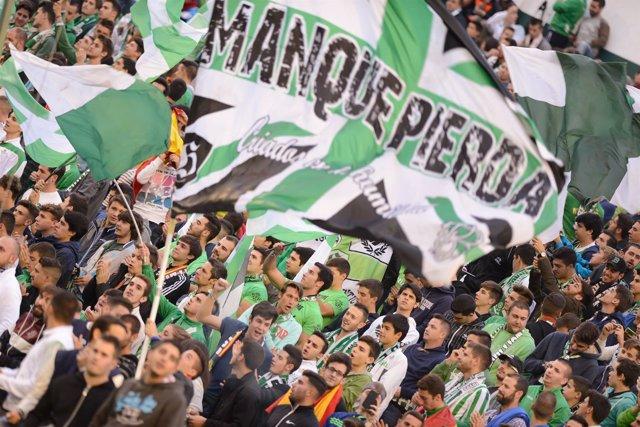 Afición del Betis en el Benito Villamarín