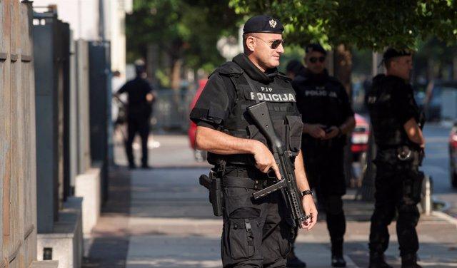 Policía de Serbia vigila el Alto Tribunal en Podgorica