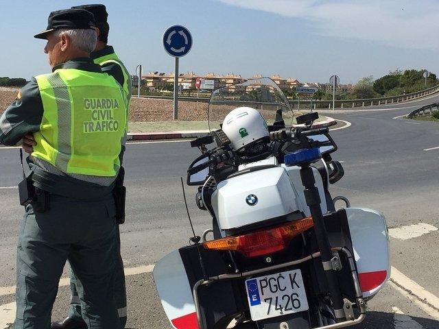 Guardia Civil de Tráfico en Huelva