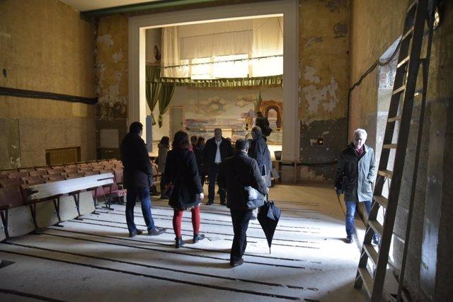 El Ayuntamiento de Pamplona visita el edificio de Salesianas.