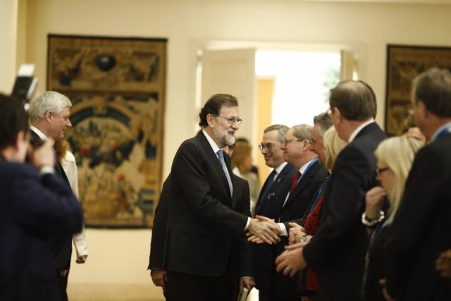 Rajoy recibe en la Moncloa a representantes de la International Democrat Union