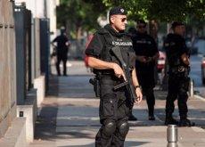 Detinguts dos espanyols i sis estrangers més per intentar entrar en instal·lacions militars a Sèrbia (REUTERS)