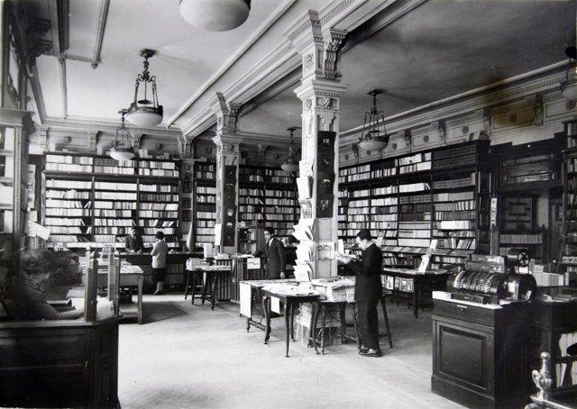 La casa del libro de gran v a cierra de forma temporal a - Casa del libro madrid horario ...