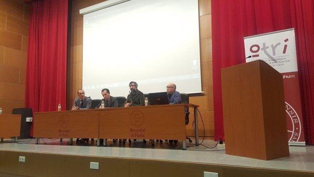 2 Fotos Junta (Jornada Patentes Universidad Huelva)