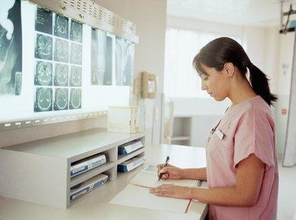 UGT alerta de que la brecha salarial entre mujeres y hombres en el sector sanitario es de un 27,23%