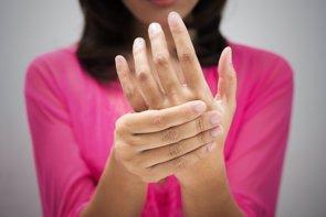 ¿Qué son los hormigueos? ¿Por qué se me duermen las manos y los pies? (GETTY IMAGES/ISTOCKPHOTO / THARAKORN)