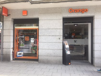 Telefónica firma con Orange un acuerdo comercial de acceso mayorista para fibra óptica