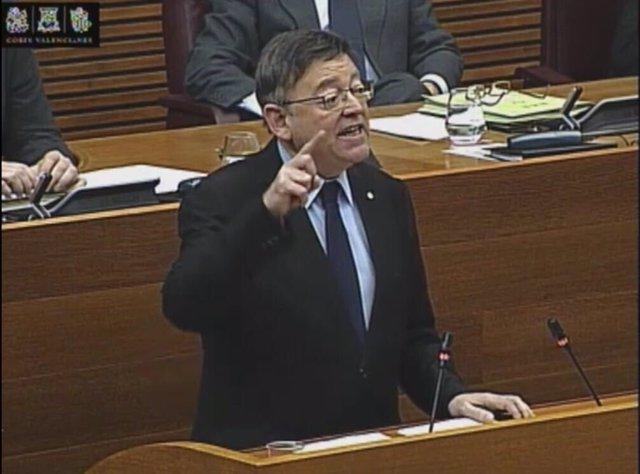 El president Ximo PUig en la tribuna de las Corts