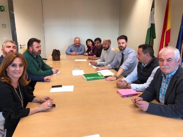 Afectados por los cortes eléctricos en Montes Orientales se reúnen con la Junta