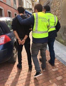 Detención robo colegio público Pravia