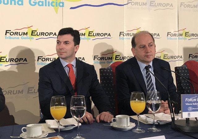Gonzalo Caballero y Xoaquín Fernández Leiceaga en un desayuno en Santiago