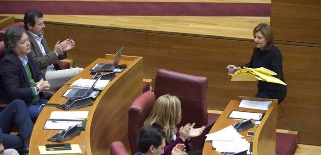 Isabel Bonig y otros diputados 'populares'