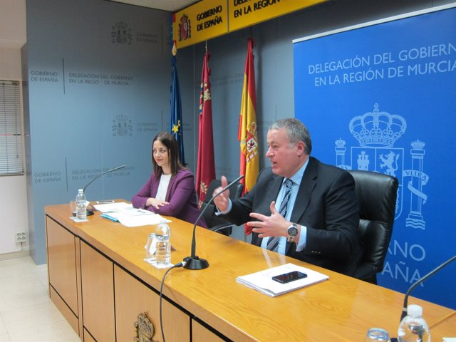 El Delegado del Gobierno y la Jefa provincial de Tráfico