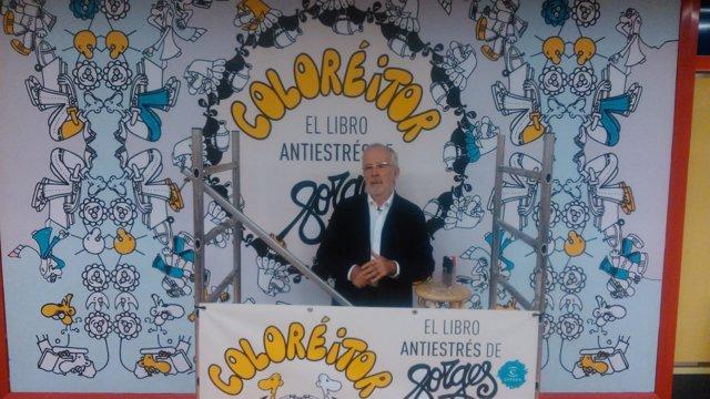 Forges durante la presentación de 'Coloréitor' en el Metro de Madrid