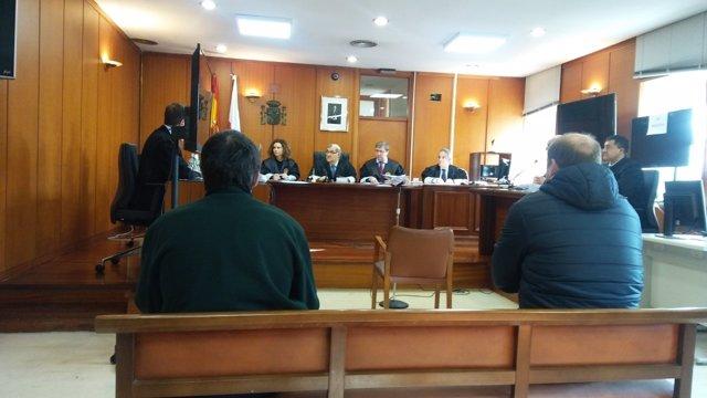 Juicio contra dos acusados de violar a la esposa de uno de ellos