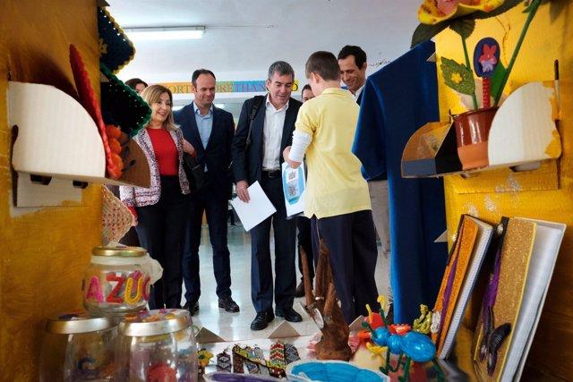 Fernando Clavijo conoce el royecto bilingüe del Ceip Pepe Dámaso