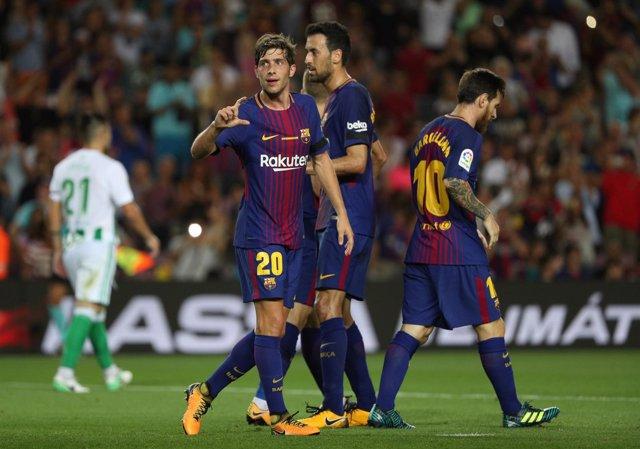 Sergi Roberto, Busquets y Messi en el Barcelona - Betis