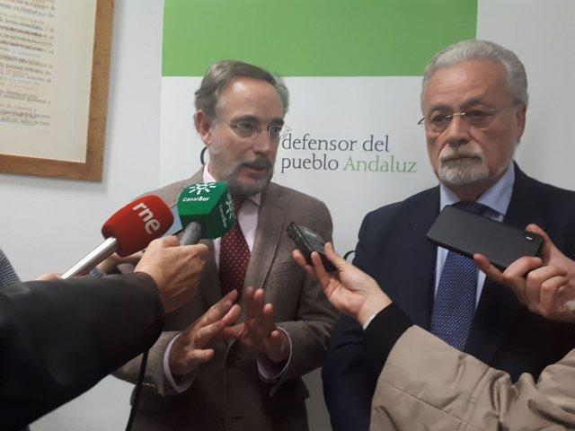 El consejero de Fomento y Vivienda y el Defensor del Pueblo Andaluz