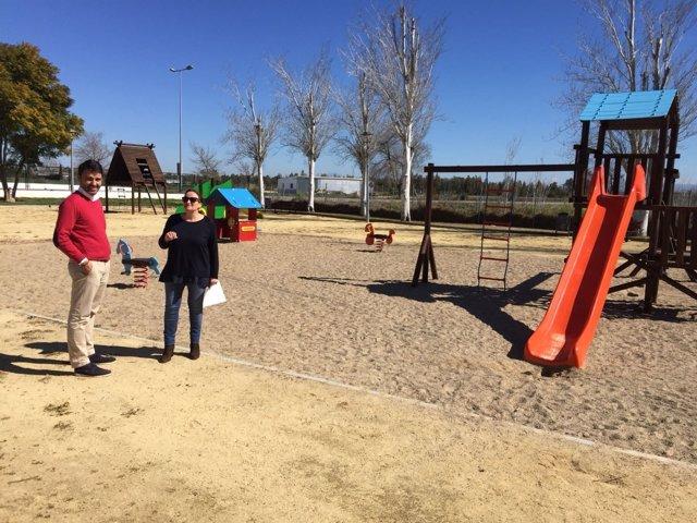 Obras en parque infantil de San Isidro del Guadalete