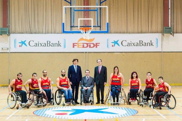Lete, José Alberto Álvarez y  Jordi Gual con la selección española en silla