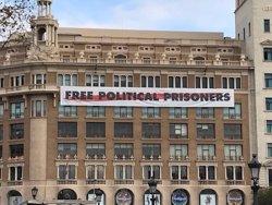Alberto Fernández (PP) exigeix retirar una pancarta pels presos per incomplir ordenances (PP DE BARCELONA)