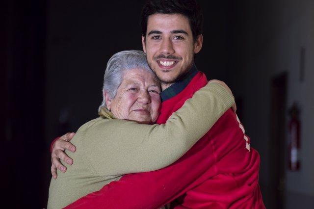 El 26% De Las Personas Atendidas Por Cruz Roja Vive En Soledad