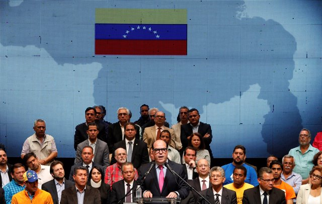 Julio Borges y otros líderes de la MUD