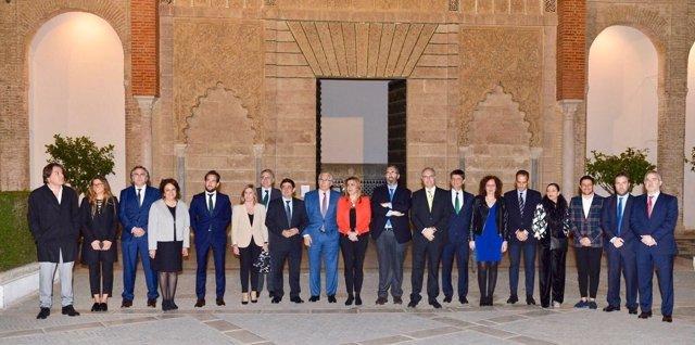 Susana Díaz preside la presentación de 'Ser andaluces, diálogos sobre Andalucía'