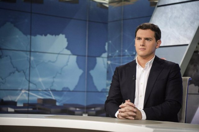 El líder de Ciudadanos, Albert Rivera, entrevistado en Canal Sur TV