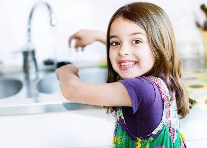 Descubre la ciencia: 6 experimentos con agua para niños