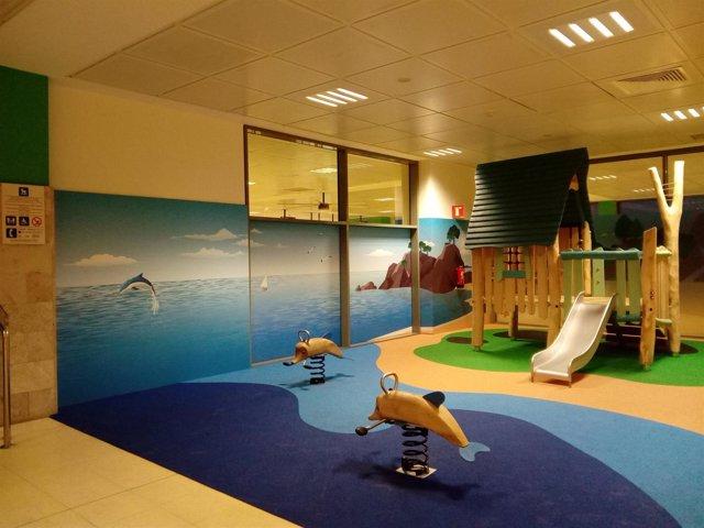Parque infantil en el Aeropuerto de Girona