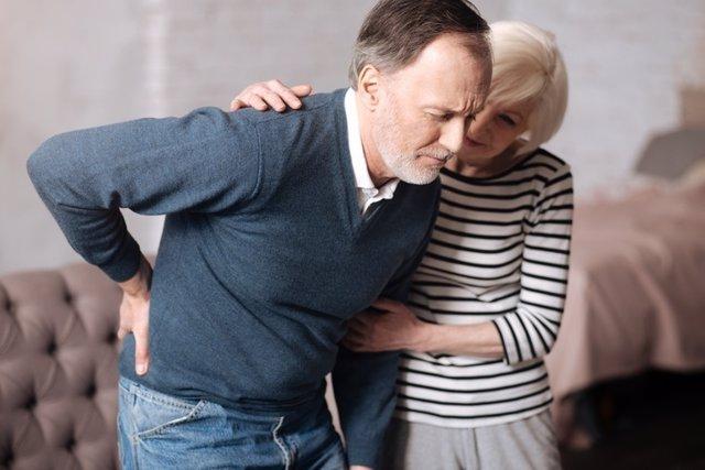 Ciática, dolor de espalda, enfermo, mayores, pareja