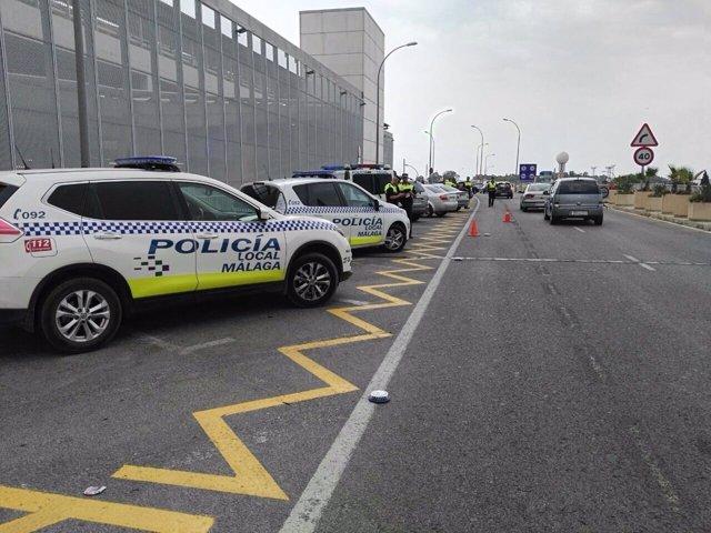 Policía control vehículos coches seguridad conducir falsos aeropuerto