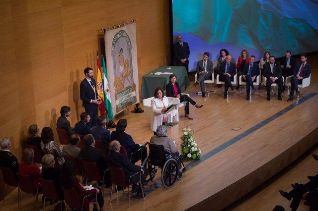 Acto de entrega de las banderas de Andalucía por el 28-F
