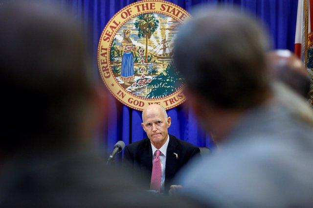 El gobernador del estado de Florida, el republicano Rick Scott.